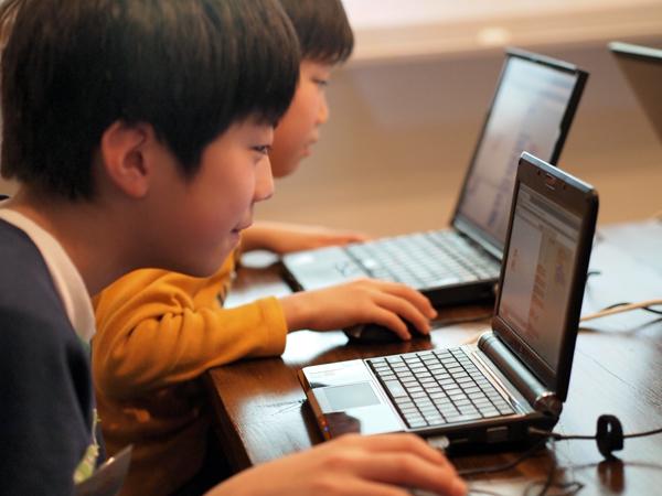 子ども向けプログラミングワークショップ